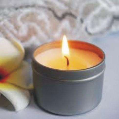 Κεριά σε Κονσέρβα